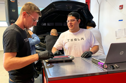 students at evergreen valley college-tesla technicians